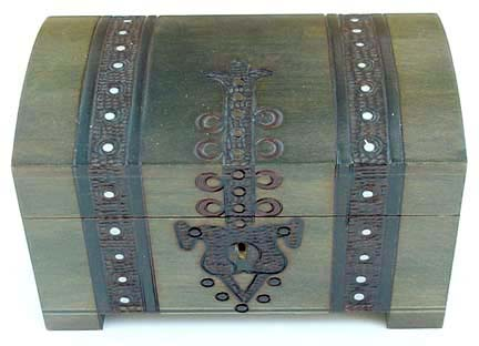 Wooden treasure chests wooden boxes pirate treasure for Large piggy bank with lock
